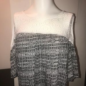 Tops - Black & White Long Tunic! NWT! Plus-size!